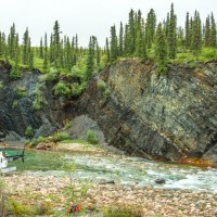 Bluefish Member and Canol Formation at Flyaway Creek, Peel Plateau. (Credit: Viktor Terlaky)